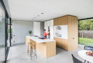 Geperforeerde keukenwand als dekmantel